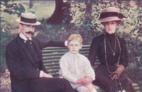 Maud with her husband Haakon VII and son Prince Harald