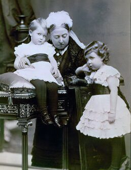 Victoria and her grandchildren